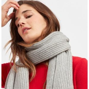 Everlane Gray cashmere scarf never used